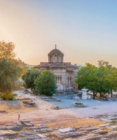 Atene e Corinto, due città importanti della storia Greca, per chi vuole camminare Sulle orme di San Paolo.