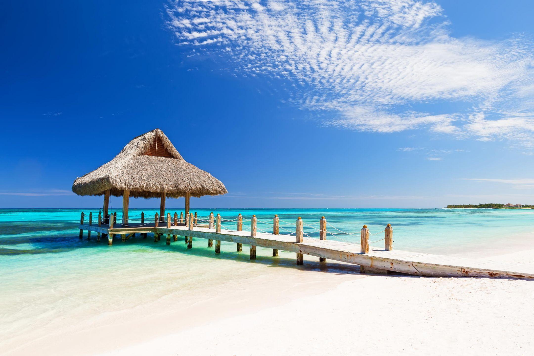 H Δομινικανή Δημοκρατία είναι κράτος της Καραϊβικής στο νησί Ισπανιόλα. Συνορεύει με την Αϊτή και καταλαμβάνει τα ανατολικά 2/3 του νησιού. Πρωτεύουσά της είναι ο Άγιος Δομίνικος. Τροπικό κλίμα όλο το χρόνο, ιστορικές πόλεις και πολιτισμός, ατέλειωτες παραλίες, βουνά, καταρράκτες και πολλά ακόμα σε αυτόν τον παραμυθένιο προορισμό.