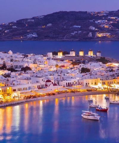 Mykonos o Myconos è un'isola greca delle Cicladi, situata molto vicino a Tinos, Syros, Paros e Naxos. Tra le spiagge più rinomate figurano, nella parte meridionale dell'isola, Kalafatis, Ornos, Paraga, Paradise, Super Paradise ed Elià. Aghios Stefanos e Panormos sono invece tra le più conosciute nella parte settentrionale.