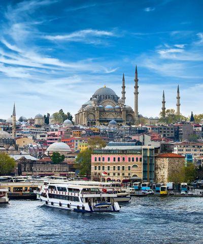 Αιγαίο πέλαγος ονομάζεται η θαλάσσια περιοχή της ανατολικής λεκάνης της Μεσογείου μεταξύ Α. Ελλάδας και Μ. Ασίας, αποκαλούμενη ενίοτε και Αρχιπέλαγος. Κρουζιέρα Ταξίδι Προσκύνημα. Θα ακολουθήσουμε τα βήματα του Απόστολου Παύλου σε Θεσσαλονίκη, Καβάλα, Κωνσταντινούπολη, Δικέλι, Κουσάντασι, Πάτμος, Σύρος.