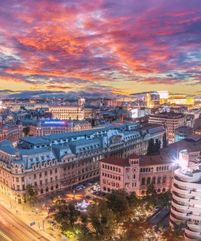 Το Βουκουρέστι είναι η πρωτεύουσα και το πολιτιστικό, εμπορικό και βιομηχανικό κέντρο της Ρουμανίας. Είναι η μεγαλύτερη πόλη της χώρας και βρίσκεται στα νοτιοανατολικά της, στις όχθες του Ποταμού Ντιμπόβιτσα. Έγινε πρωτεύουσα της Ρουμανίας το 1862 και είναι το κέντρο των μέσων ενημέρωσης, του πολιτισμού και της τέχνης της Ρουμανίας. Η αρχιτεκτονική της είναι ένα μείγμα νεοκλασικής, μεσοπολεμικής, κομμουνιστικής περιόδου και σύγχρονης. Γνωστή και με το προσωνύμιο «Μικρό Παρίσι». Τα τελευταία χρόνια η πόλη βιώνει οικονομική και πολιτιστική άνθηση.