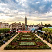 Το Βασίλειο του Βελγίου, είναι χώρα στην βορειοδυτική Ευρώπη και συνορεύει με την Ολλανδία, τη Γερμανία, το Λουξεμβούργο και τη Γαλλία. Δύο είναι οι βασικές γλώσσες που ομιλούνται στο Βέλγιο: η Ολλανδική και η Γαλλική. Το Βέλγιο πήρε το όνομά του από τους πρώτους κατοίκους του, τους Βέλγους, μια ομάδα κυρίως Κελτικών φυλών. Το Βέλγιο είναι μέρος των λεγόμενων «Κάτω Χωρών». Οι Βρυξέλλες είναι η πρωτεύουσα του Βελγίου, το μεγαλύτερο αστικό κέντρο της χώρας και διοικητικό κέντρο της Ευρωπαϊκής Ένωσης.