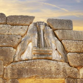 L'Argolide è una regione storica dell'antica Grecia, ed è una regione geografica della Grecia e dal punto di vista amministrativo è una delle cinque unità periferiche del Peloponneso. Il capoluogo è la città di Nauplia o Nafplion. Micene è un sito archeologico della Grecia, situato nell'Argolide ed è inserita nell'elenco dei patrimoni dell'umanità dell'UNESCO. Epidauro è un comune della Grecia nella periferia del Peloponneso conosciuta principalmente per il suo santuario dedicato ad Asclepio e per il suo teatro antico, ancora utilizzato al giorno d'oggi per accogliere rappresentazioni teatrali. Il sito archeologico di Epidauro è inserito nell'elenco dei patrimoni dell'umanità dell'UNESCO. Nafplio è un città della Grecia situata nella periferia del Peloponneso. Dal 1829 al 1834 è stata la prima capitale della Grecia indipendente.