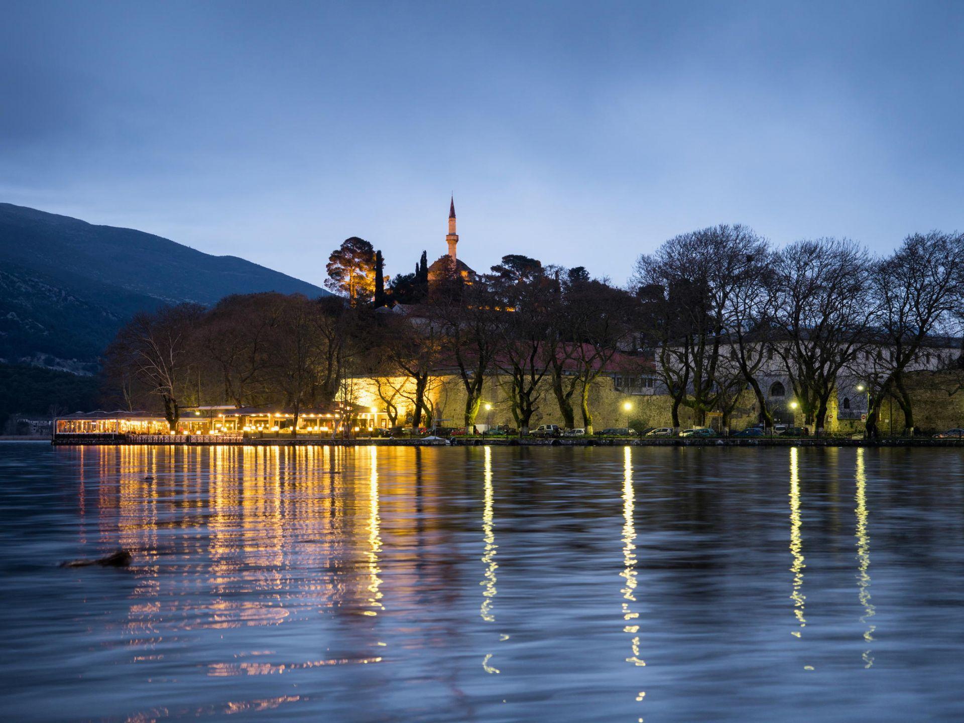 Τα Ιωάννινα είναι η πρωτεύουσα του νομού και ταυτόχρονα η μεγαλύτερη πόλη της Ηπείρου. Χτισμένη στην όχθη της λίμνης Παμβώτιδας, μαγεύει με την ομορφιά της και τη ζεστή της ατμόσφαιρα. Τα πανέμορφα και ξακουστά Ζαγοροχώρια είναι ένα δίκτυο από 46 χωριά διασκορπισμένα πάνω στα βουνά βορειοανατολικά των Ιωαννίνων. Το Μέτσοβο είναι ένας παραδοσιακός οικισμός, βρίσκεται στο ανατολικό άκρο του νομού Ιωαννίνων, ανάμεσα στα βουνά της μεγαλύτερης οροσειράς της Ελλάδος, της Πίνδου.