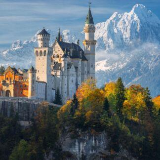 Το Μόναχο είναι πόλη της Γερμανίας και πρωτεύουσα του oμόσπονδου κράτους της Βαυαρίας.