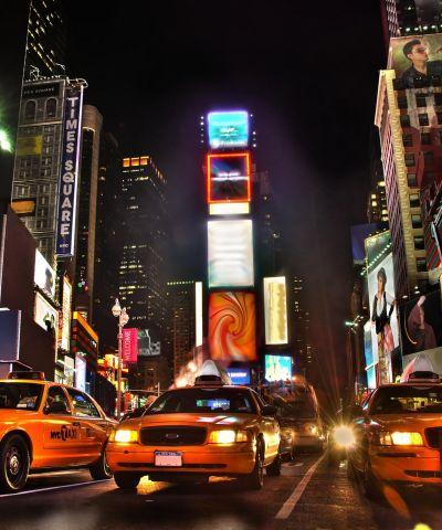 Η Νέα Υόρκη είναι πόλη των Ηνωμένων Πολιτείων και μια από τις μεγαλύτερες Μητροπόλεις της Υφηλίου. Αποτελεί ένα σημαντικό κέντρο τόσο για το εμπόριο, την οικονομία, τα μέσα ενημέρωσης, την τέχνη, τη μόδα, την έρευνα, την τεχνολογία, την εκπαίδευση και την ψυχαγωγία, παγκοσμίως.