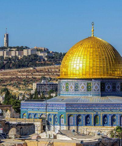 Ο όρος Άγιοι Τόποι αναφέρεται στις περιοχές της Παλαιστίνης σήμερα και του Ισραήλ που έχουν ιστορική και θρησκευτική αξία κυρίως για το Χριστιανισμό, αλλά και για τον Ιουδαϊσμό και τον Ισλαμισμό. Σε αυτούς περιλαμβάνονται οι τόποι εκείνοι στους οποίους διαδραματίσθηκαν τα εις τη Καινή Διαθήκη αναφερόμενα γεγονότα και ειδικότερα τα «Αγιοταφικά προσκυνήματα» όπως καθιερώθηκε να λέγονται τα επίσημα αρχαία μνημεία του Χριστιανισμού και όχι μόνο.